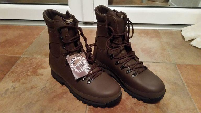 Alrberg Defender Boots